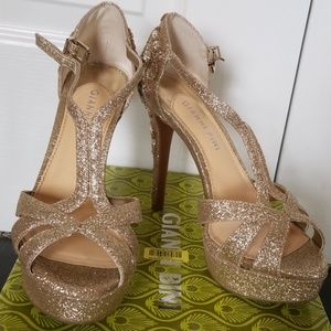 Gianni Bini high heels